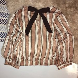 Adorable blouse with a large bow - OLM top